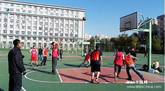 哈工大管理学院2012级研究生篮球赛圆满落幕