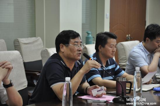 合肥工业大学管理学院郭志勇书记向各位来宾介绍了合肥工业大学-中