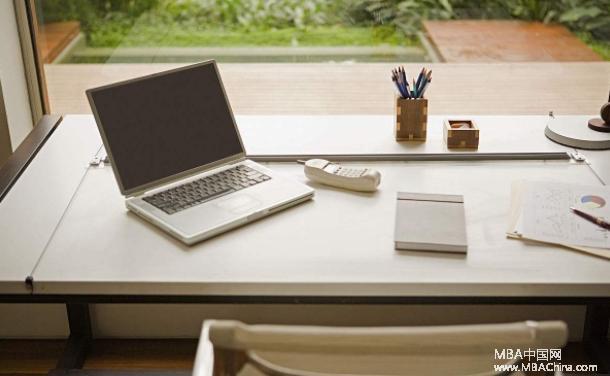 MBA职场:你的办公桌,藏着你对人生的态度