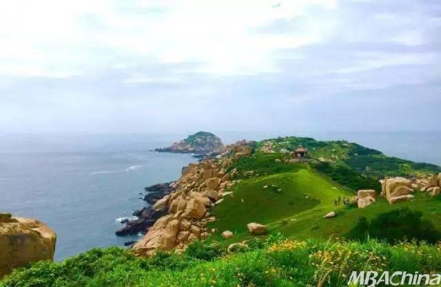 庙岛列岛 庙岛列岛位于山东蓬莱县长岛以北50公里处,由许多小型的